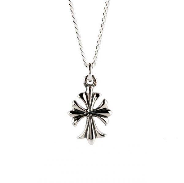 Collar de plata con cruz pequeña