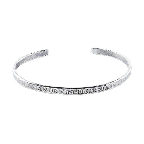 Latin quote Silver Cuff Bracelet 'Love Conquers all'